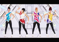 2NE1 No More - Entertainment