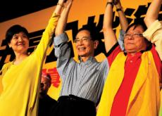 Hong Kong Lawyers Receive Human Rights Award - World News