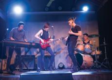 Solo Singers Versus Groups - Think & Talk