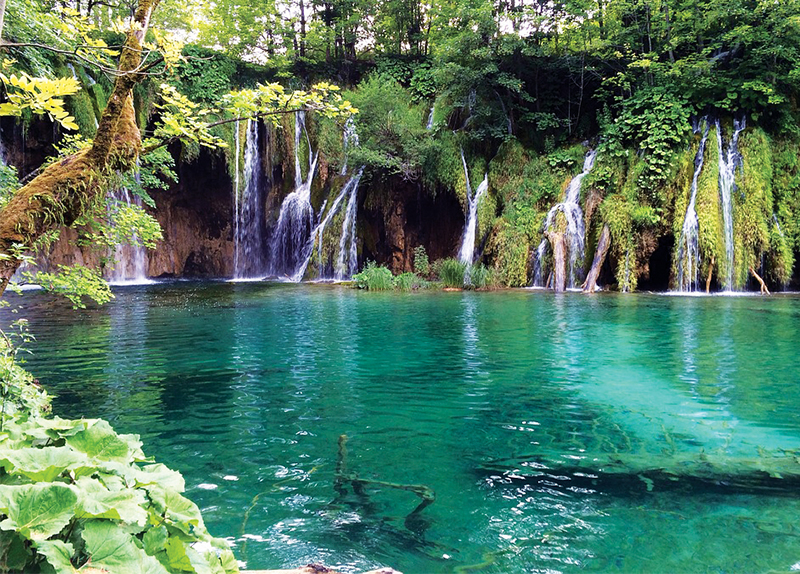 Plitvice Lakes0