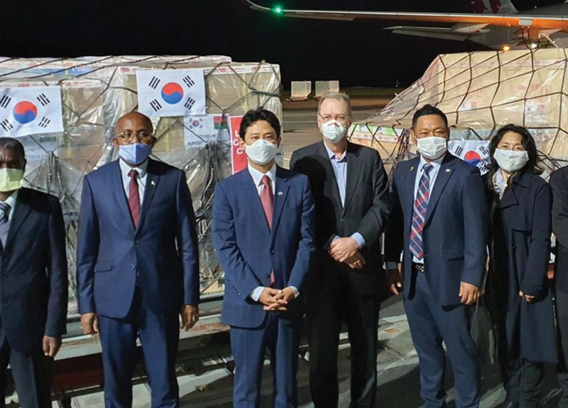 Korea Supports Madagascar by Sending Medical Equipment0