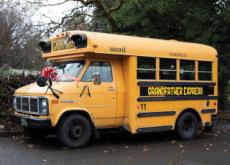 Grandfather Buys School Bus for His 10 Grandchildren - Focus