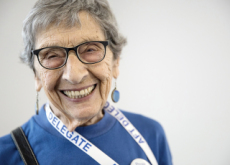 102-Year-Old Grandmother Votes for President in Hazmat Suit - Focus