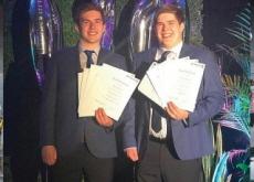 Twins Receive Same Score on University Entrance Exam - World News