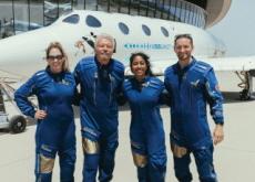Richard Branson Flies to the Edge of Space - World News