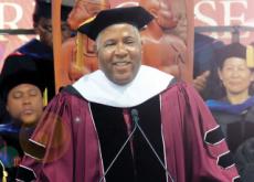 Robert Smith's Gift to Graduates - Headline News