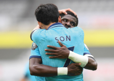 The Most Heartwarming Hug - Photo News