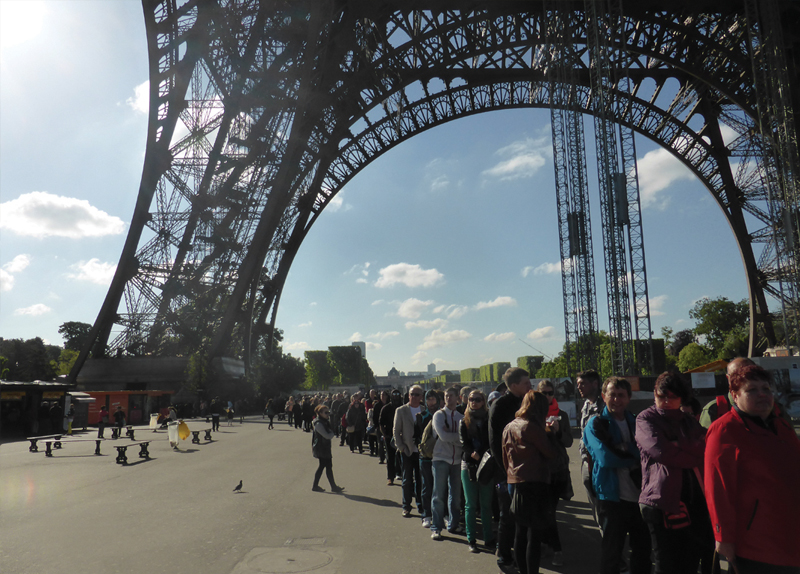 The Eiffel Tower Reopens0