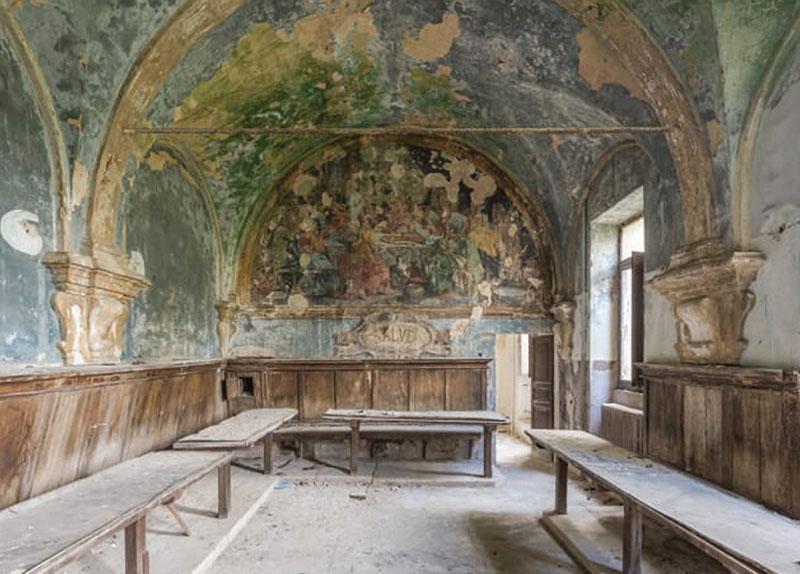 Romain Veillon and Deserted Frescoes - Arts