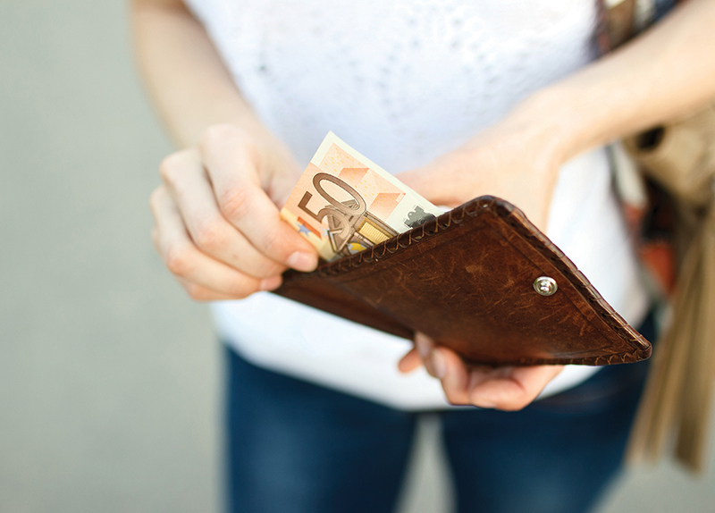 Should We Get Rid of Cash? - Controversial Issues