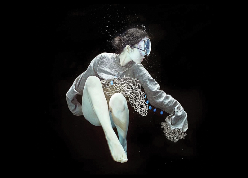 Jeju Haenyeos in Underwater Photographs - Arts